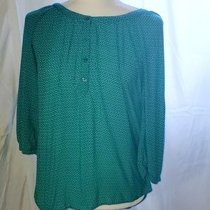gap green flowy patterned summer blouse size Large